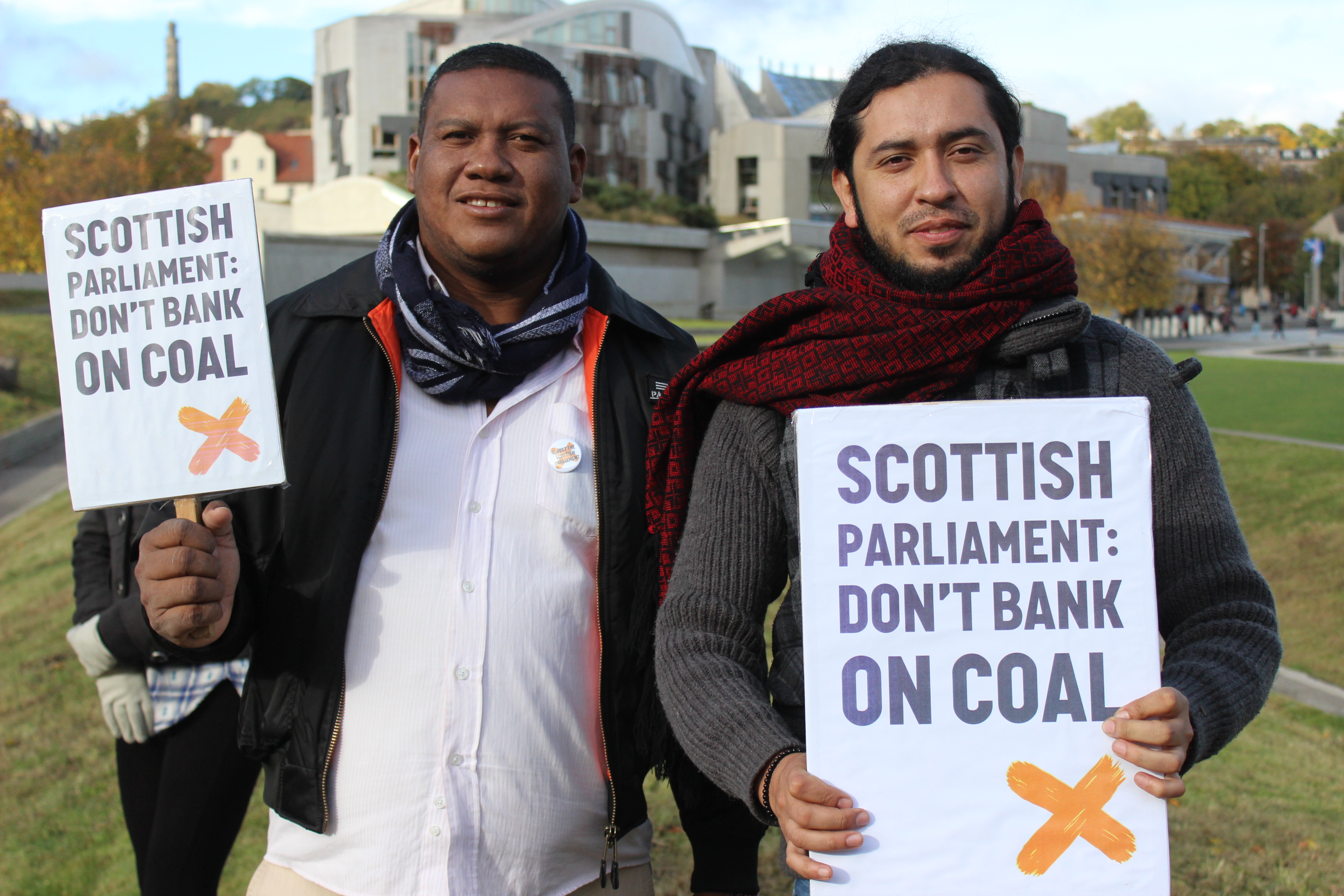 Samuel Arregoces and Danilo Urrea visited the Scottish Parliament to demand an end to investments in Colombian coal.